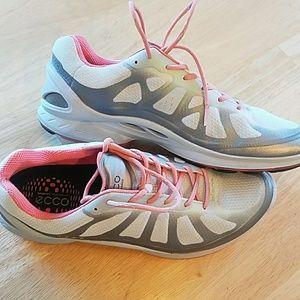 Eco performance sneakers
